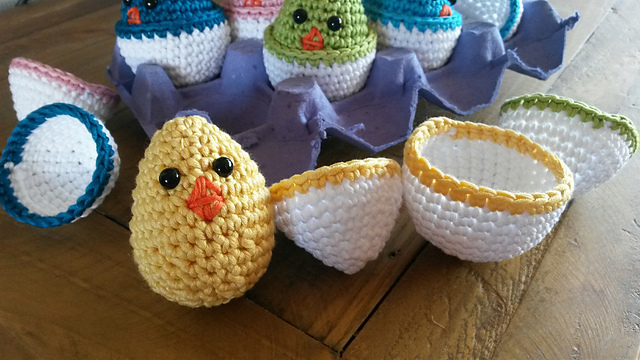 Free Crochet Easter Egg Pattern, Chick in a Shell