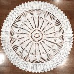 Free Pattern: Crochet a Round Sunflower Rug