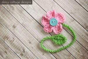 Get this free spring flower bookmark crochet pattern here
