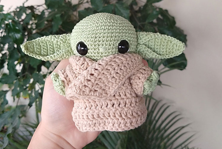 How the Baby Yoda Crochet Pattern is Making Us Talk About ... | 504x750